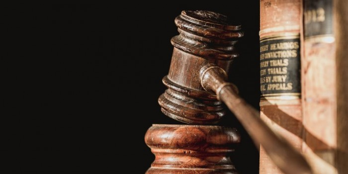 law-books-and-judge-gavel_925x